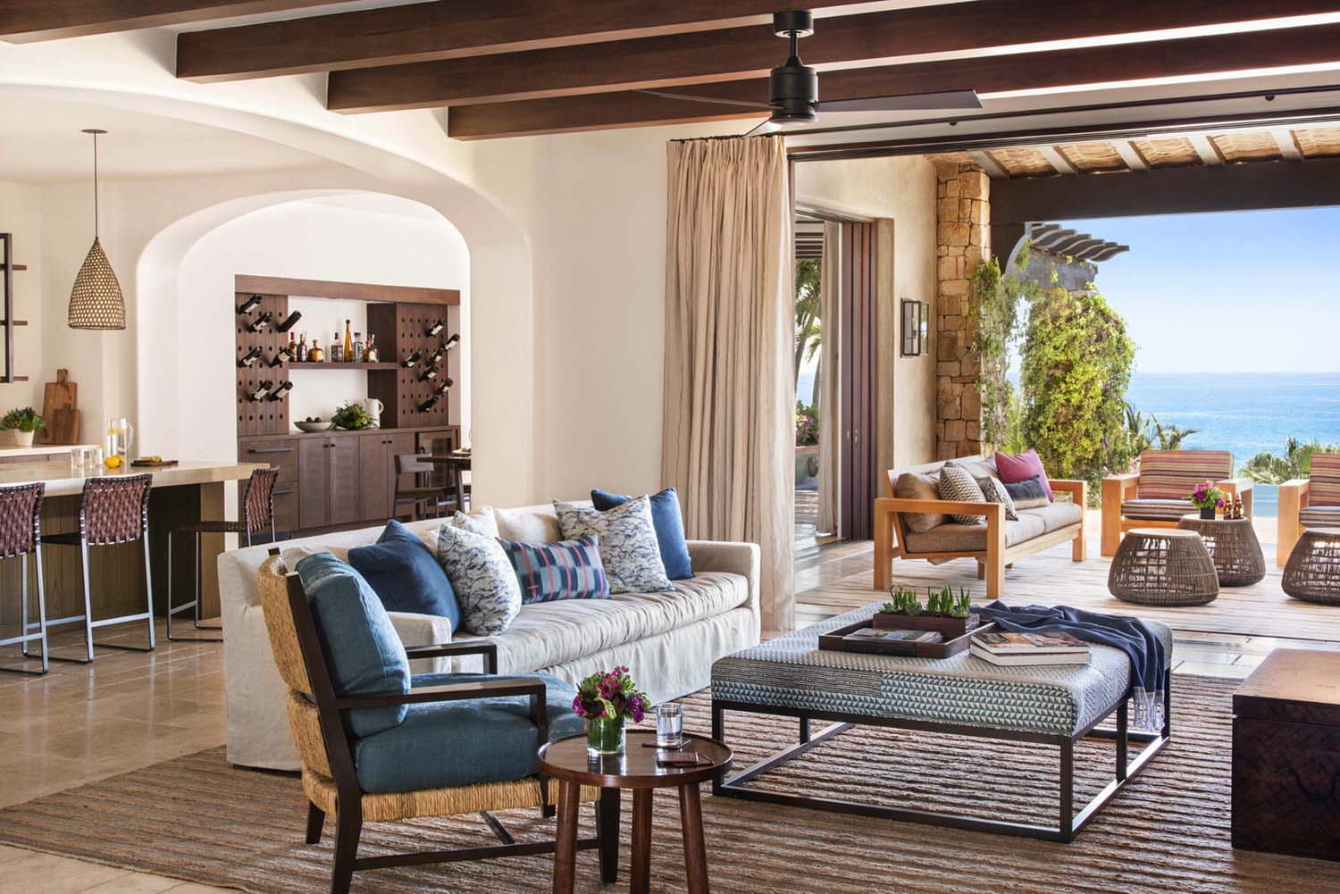 Decordemon a beachfront mediterranean style villa in cabo for Interior design 70s style