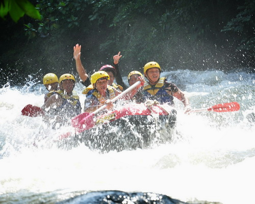 Tinuku.com Travel Sawangan river rafting down 3-5 grade rapids at 12 points in the Waruga land North Minahasa