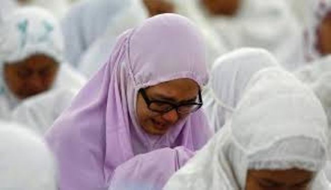 Doa Istri Untuk Suami Agar Setia, Tidak Selingkuh dan Tidak Minta