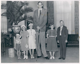 Unknown Facts about the World Tallest & Shortest Man