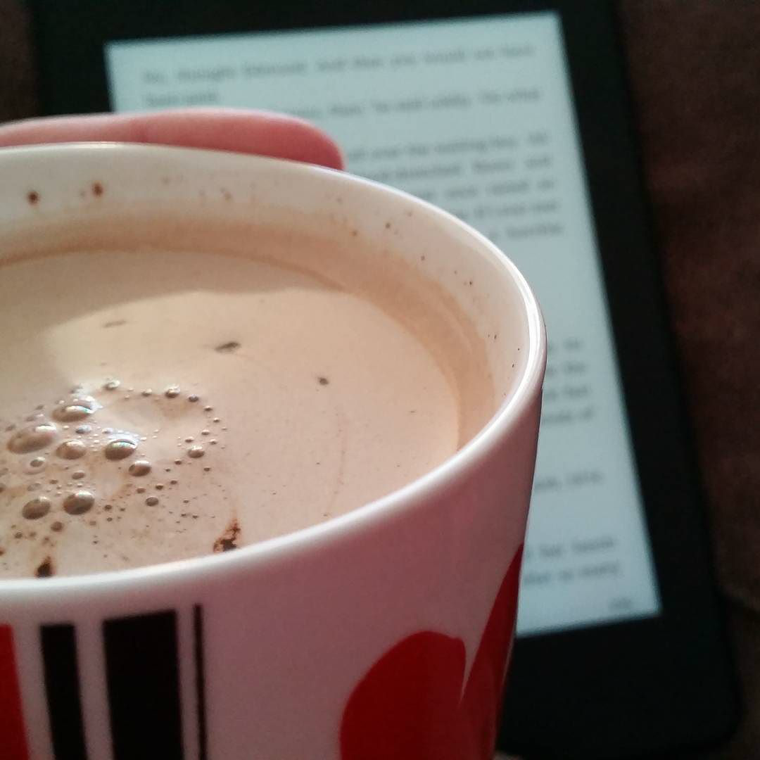 This Little Big Life: Hot chocolate and Kindle