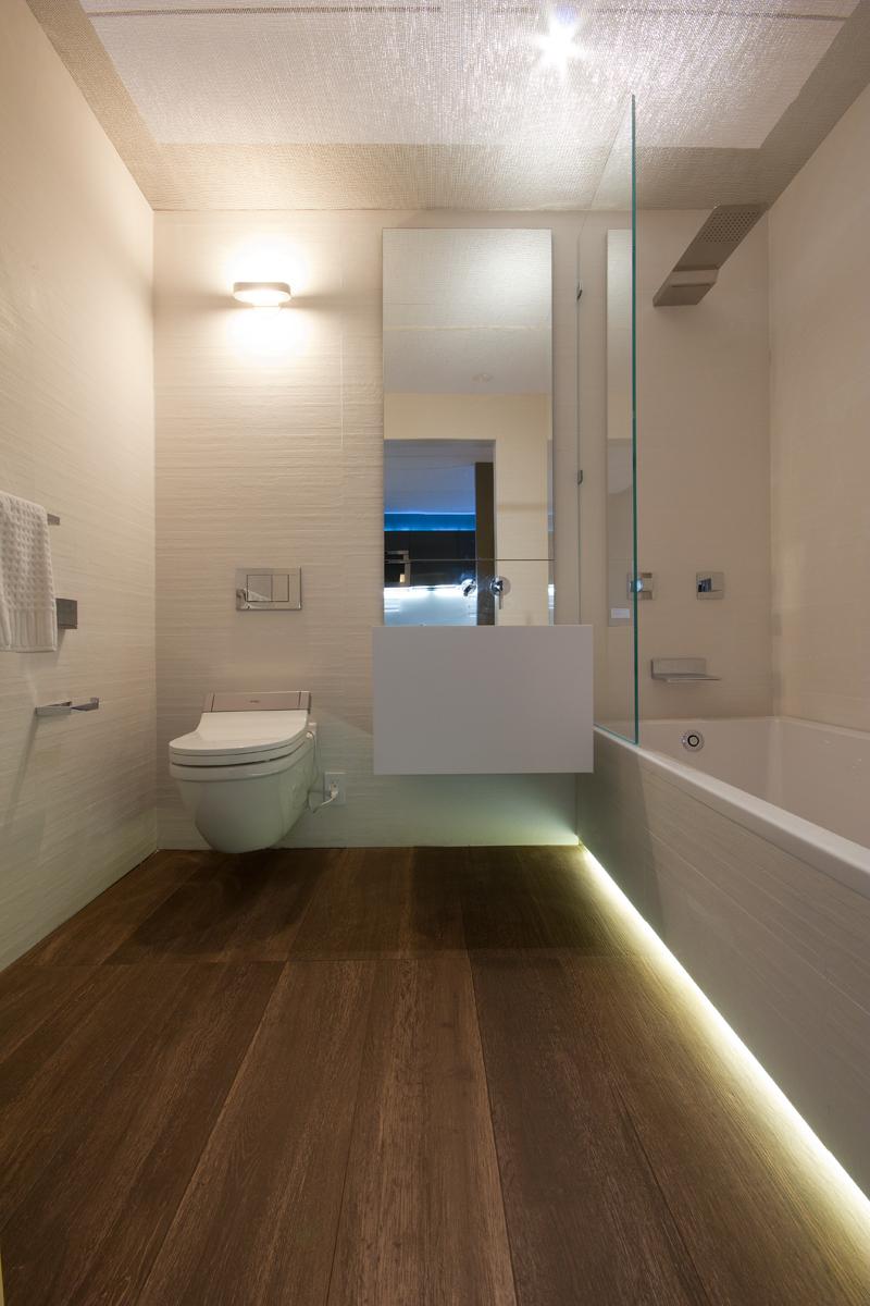 Minimal Minimal Usa S Glam Bathroom Featured At The