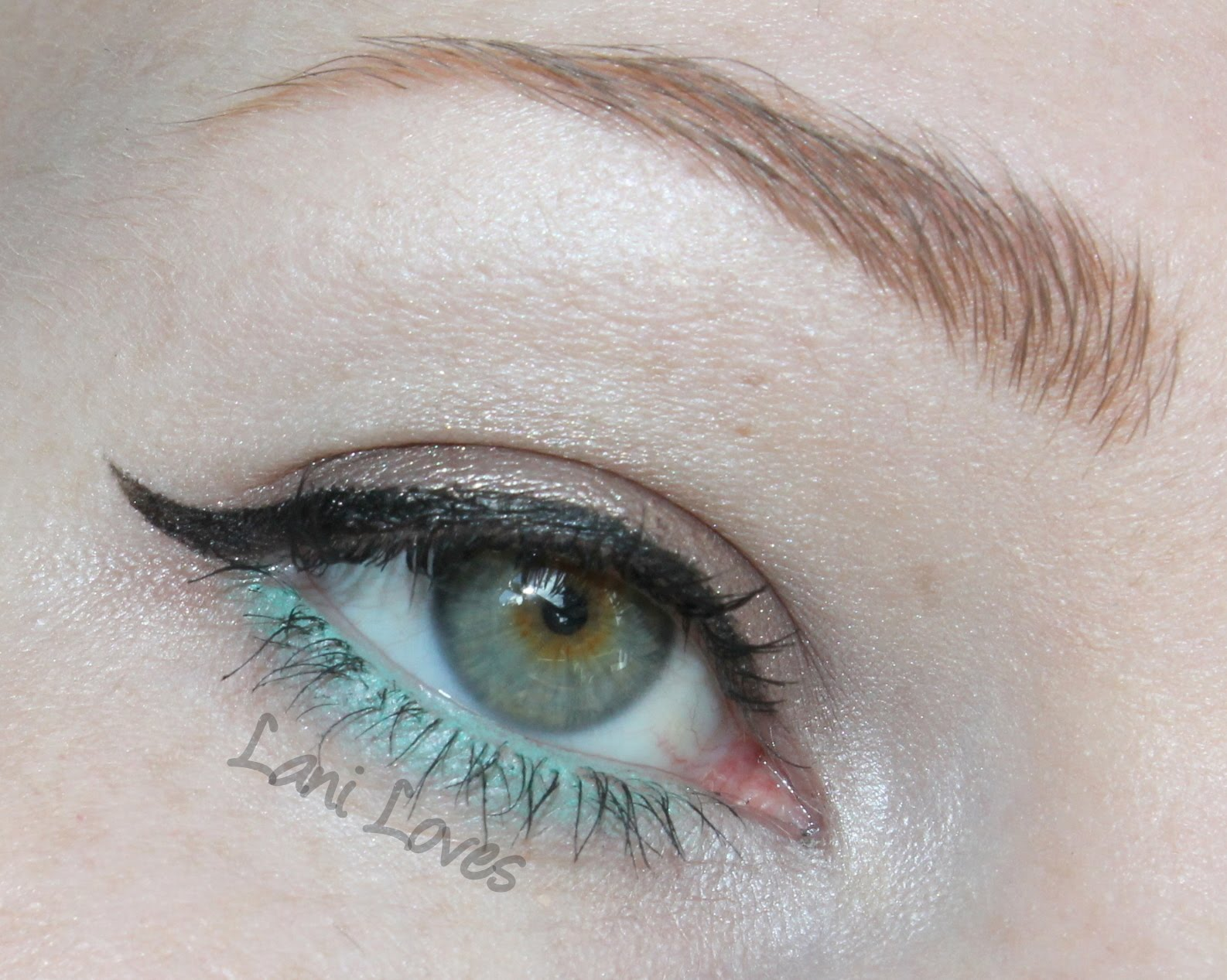 NYX Slim Eyeliner - Teal Swatches & Review