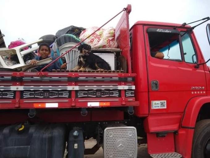 JOÃO PESSOA: 300 famílias são expulsas de terreno em JP e defensor reclama: 'sem chances para o trabalhador'.