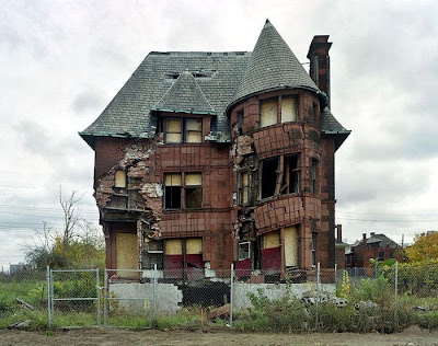 demolish buildings in detroit, houses, falling down, knock down, poor