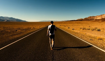 perjalanan berat dan jauh bagi seorang lelaki