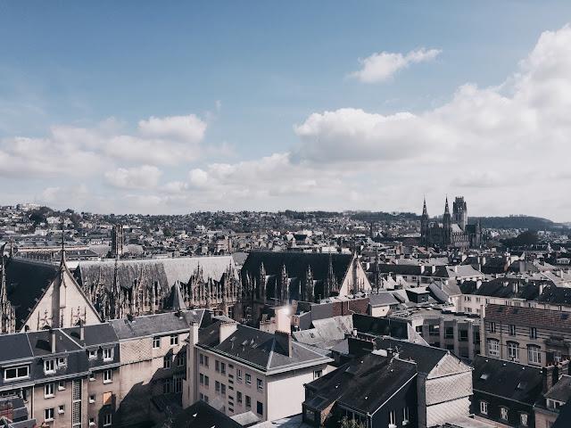 Vue du panorama du Gros Horloge sur la ville de Rouen