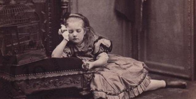 Μια θλιβερή ιστορία για τη μικρή Katie Corrigan, η οποία δεν βρήκε γαλήνη ακόμη και μετά το θάνατό της