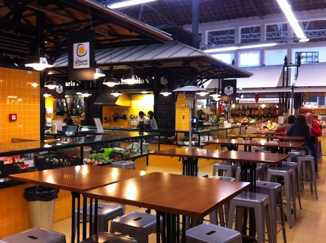 Mesas no Mercado de Campo de Ourique