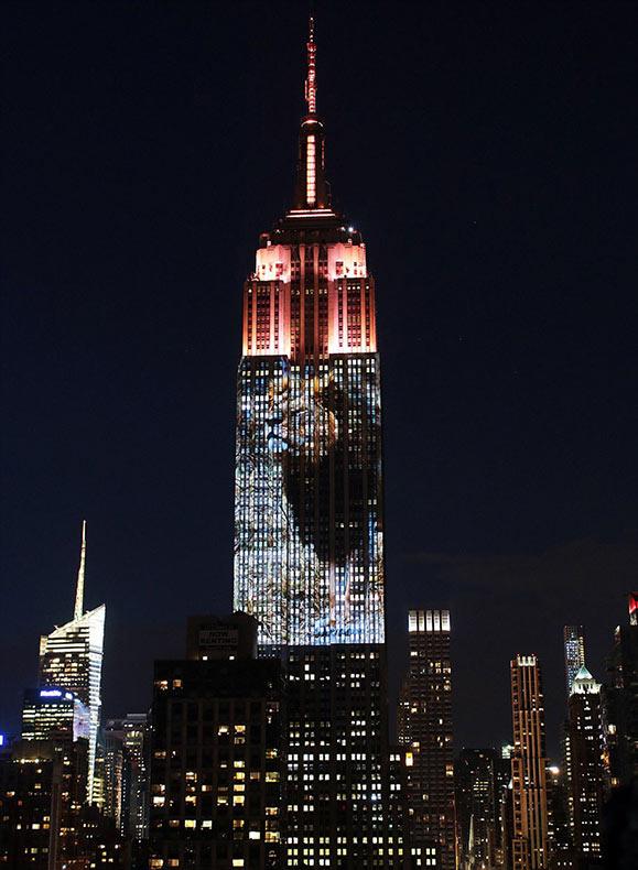 Impresionante show de luces sobre el Empire State revelan un conmovedor homenaje a los animales en peligro de extinción