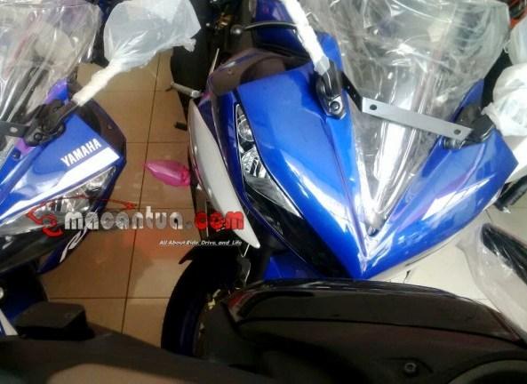 Penampakan Yamaha YZF R15 dengan bentuk headlamp yang lebih sipit, R15 Special Edition ?
