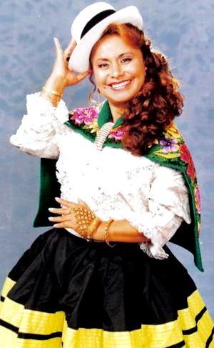 Foto de Haydee Raymundo con traje típico de Junín