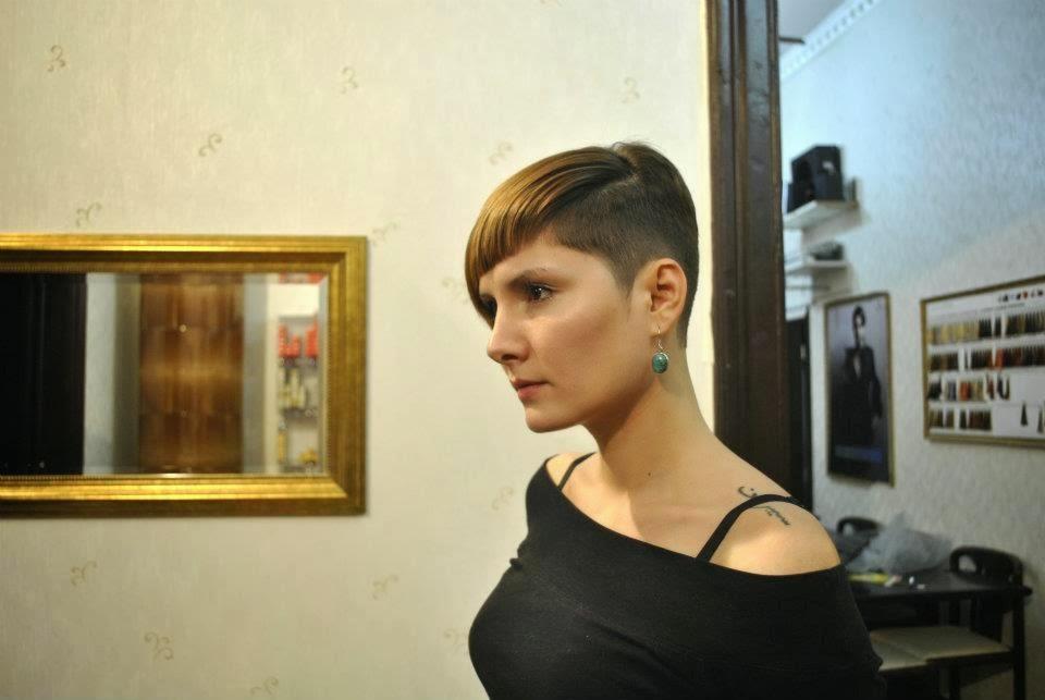 Die Bilder Christie Brimberry Haarschnitt
