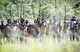 الاتصال بالسكان الأصليين للوادي