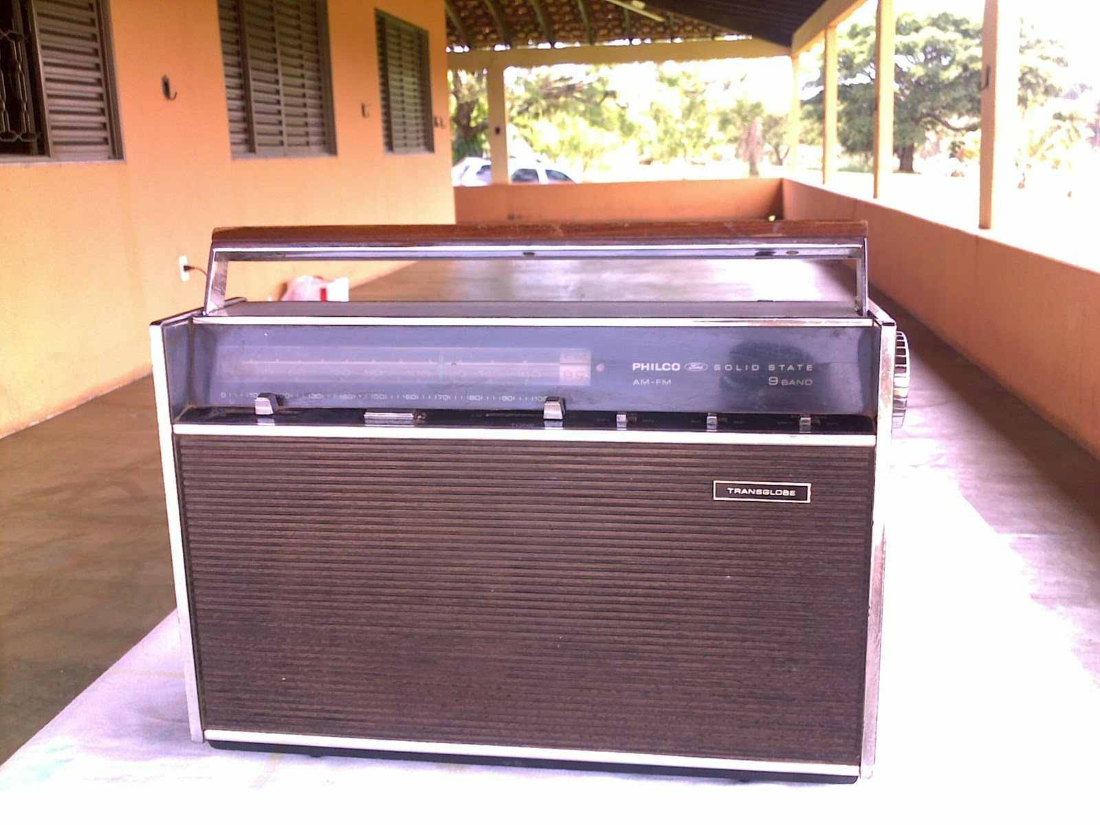 Sempre Semi-novos: ANTIGO RADIO PHILCO FORD SOLID STATE AM