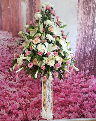 toko bunga duka cita di surabaya, harga karangan bunga duka cita surabaya, pesan karangan bunga duka cita di surabaya