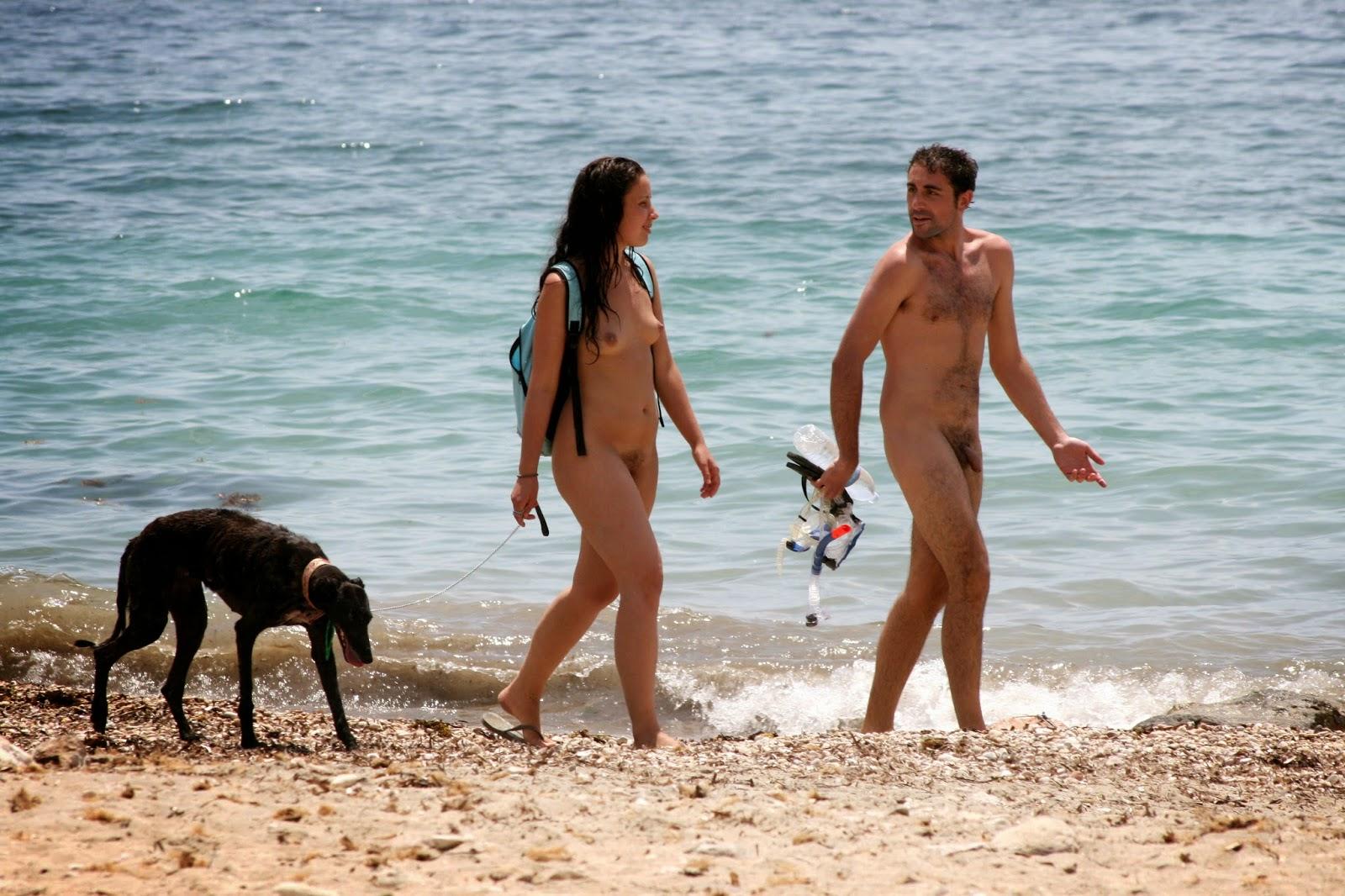 первый раз на нудистском пляже