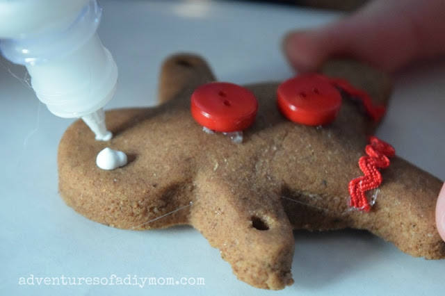 decorating gingerbread ornaments