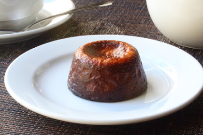 Canelés de Bordeaux (Crispy Baked French Custards) – Hold the Mold!