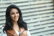 priyashri new sizzling stylish photos-thumbnail-18