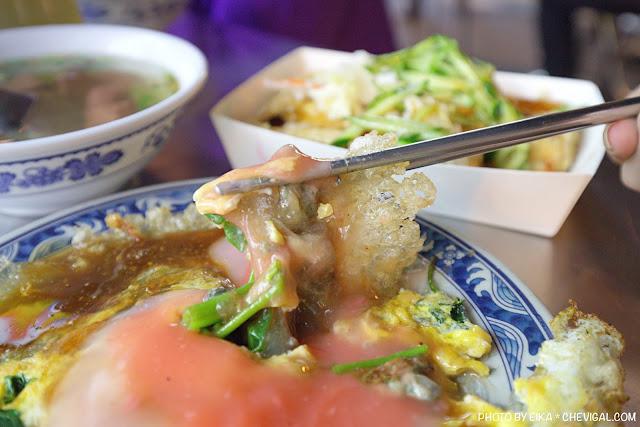 MG 0886 - 中華夜市臭豆腐蚵仔煎,還沒開攤就有客人在守候!營業至凌晨3點夜貓子最愛