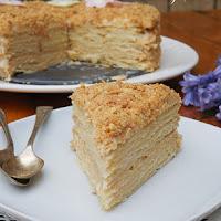 http://www.bakingsecrets.lt/2015/05/tortas-napoleonas-napoelon-cake.html