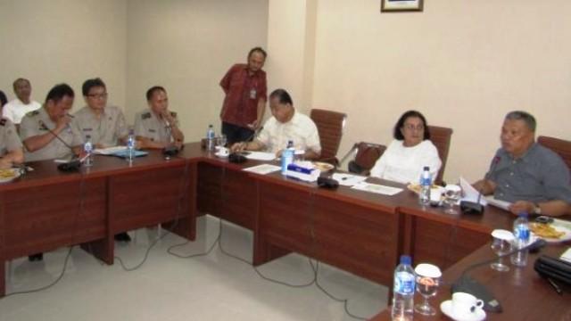 Rapat dipimpin Wakil Ketua Komisi III, Amir Liputo