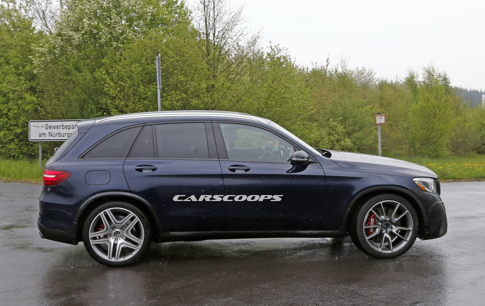 mercedes amg s new v8 powered glc 63 spied carscoops. Black Bedroom Furniture Sets. Home Design Ideas