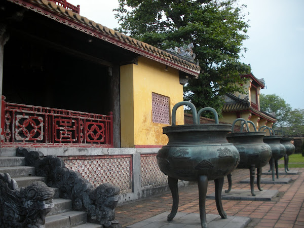 Urnas de la Ciudad Imperial de Hue (Vietnam)