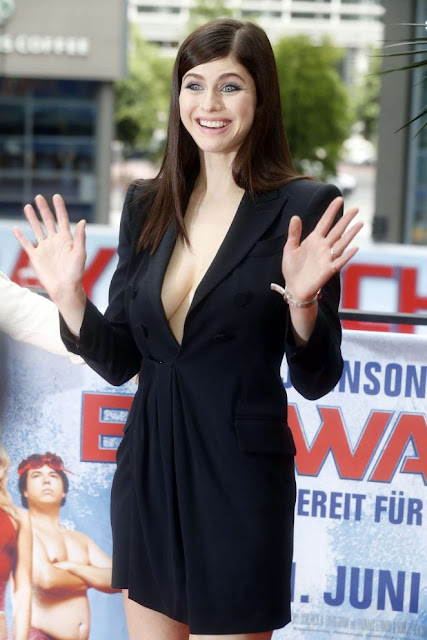 Alexandra Daddario – 'Baywatch' Photocall in Berlin adds