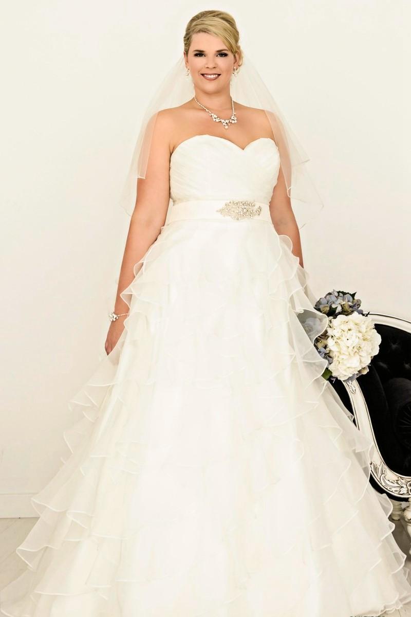 0219e8fdd8 Wedding Dresses With Plus Size Models