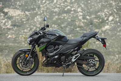 Kawasaki-Z800-Side look-HD-image
