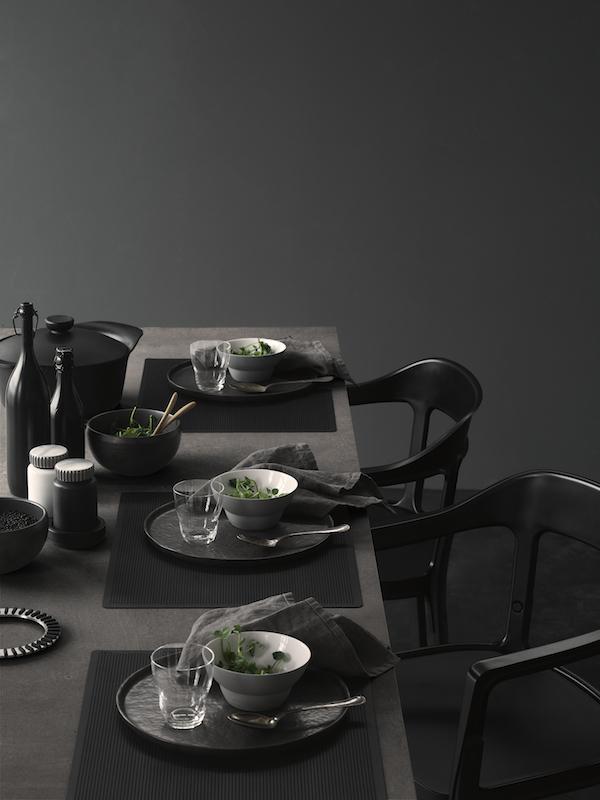 A black table setting   VIPP & A black table setting   VIPP   Vosgesparis   Bloglovinu0027