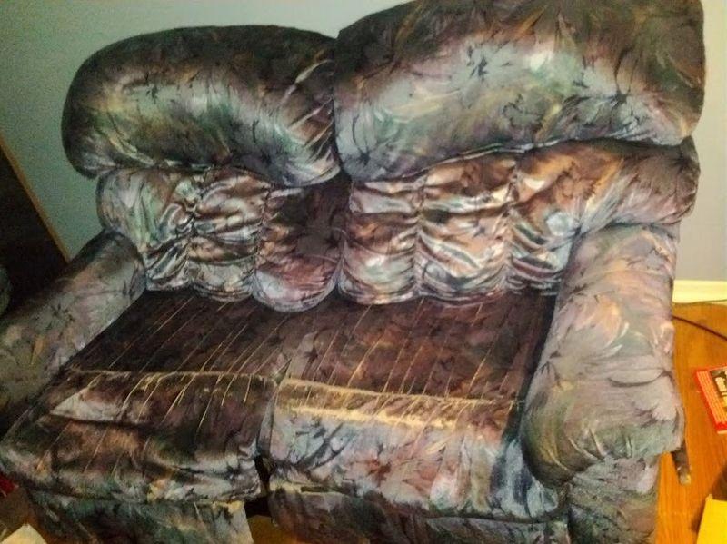 Sofa kijiji for Chaise bercante kijiji