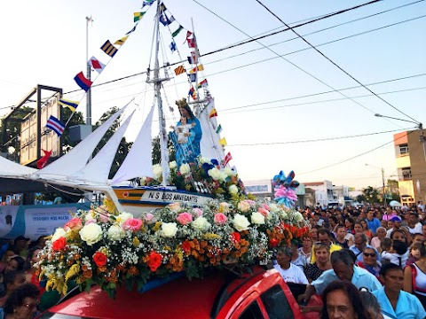 Procissão terrestre de Nossa Senhora dos Navegantes contou com a presença de muitos políticos. Confira os clicks!