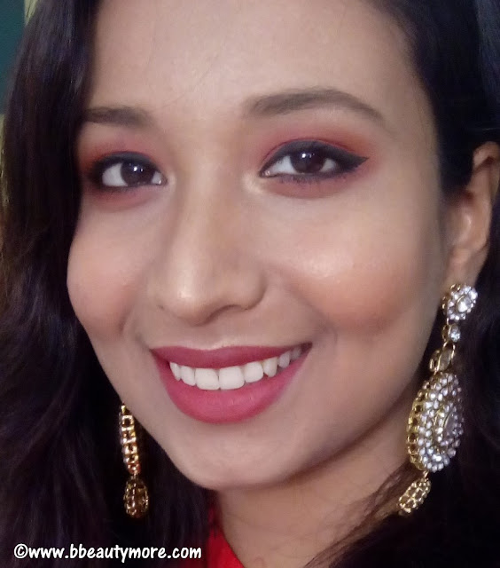 How to apply eyeliner on hooded eyes. If you have small eyes and looking for tricks on how to apply winged eyeliner then these step by step eyeliner guide for small and hooded eyes will definitely work for you.
