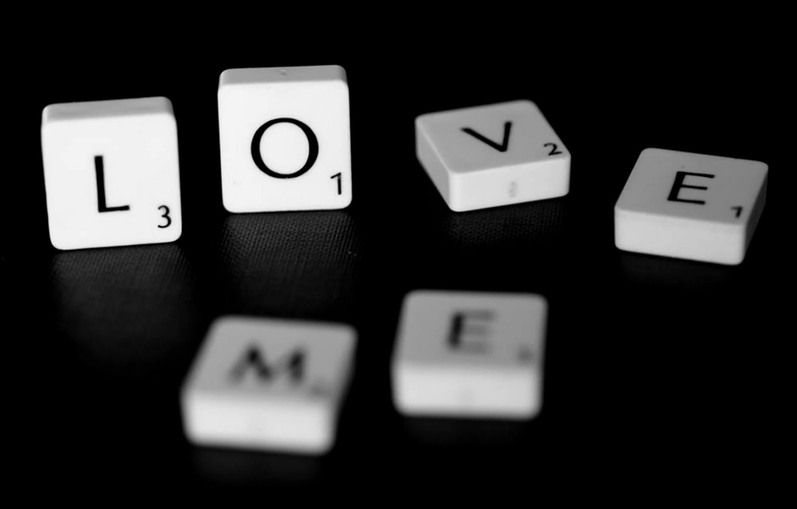 Love Me Scrabble Word Game Photo Hd Wallpaper   Lock Wallpapers