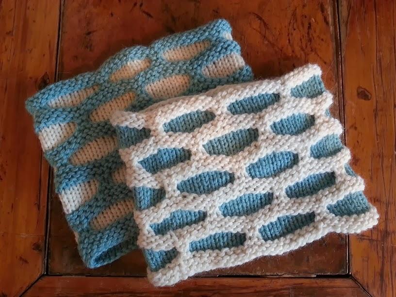 close knit: Petite Honeycomb Cowl