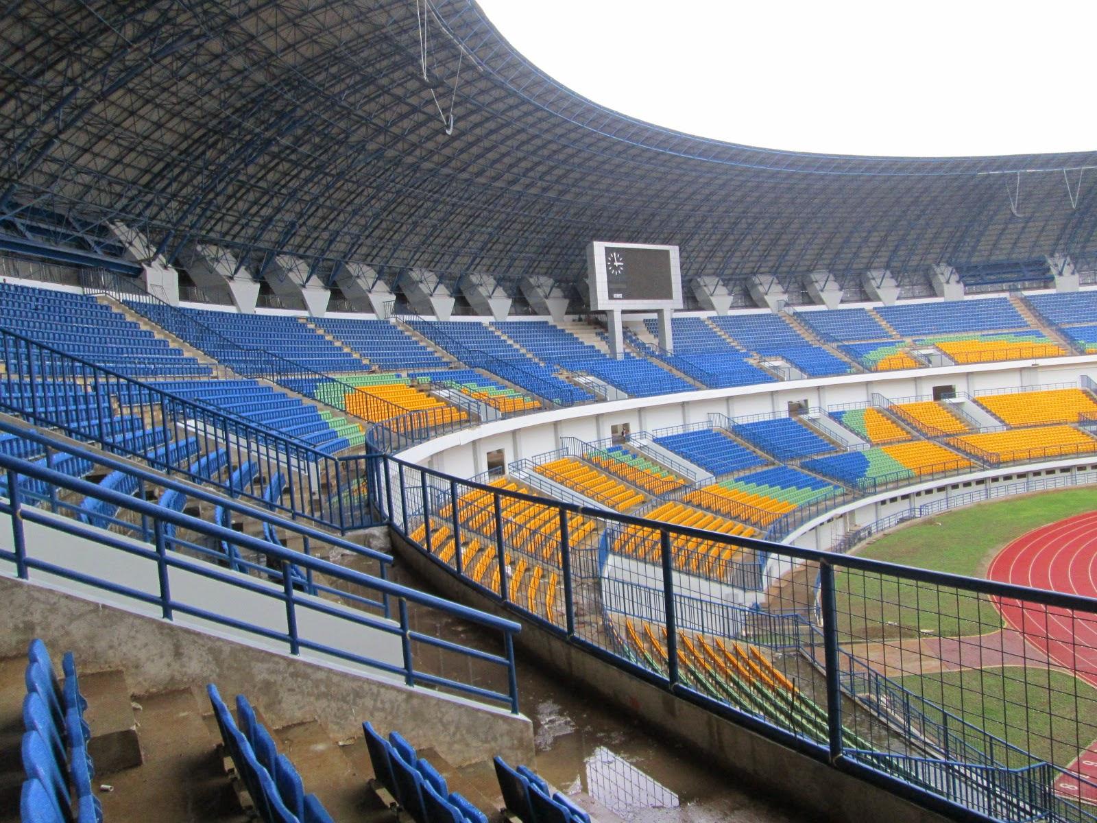 MANDOR: Kursi Tribun Stadion Gedebage