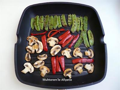 ızgarada pişen sebzeler