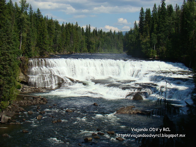 Dawson Falls, Wells Gray Provincial Park. Canada. Viajando ODV y RCL  http://viajandoodvyrcl.blogspot.mx