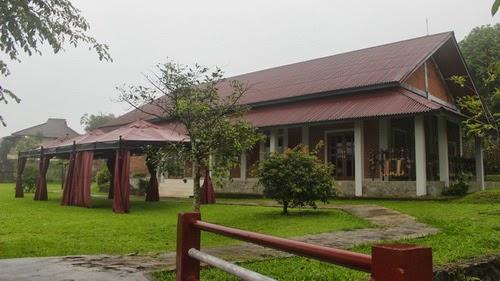 Villa Dewi Resort