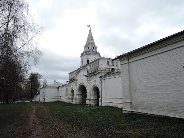 государев двор в измайлово задние ворота