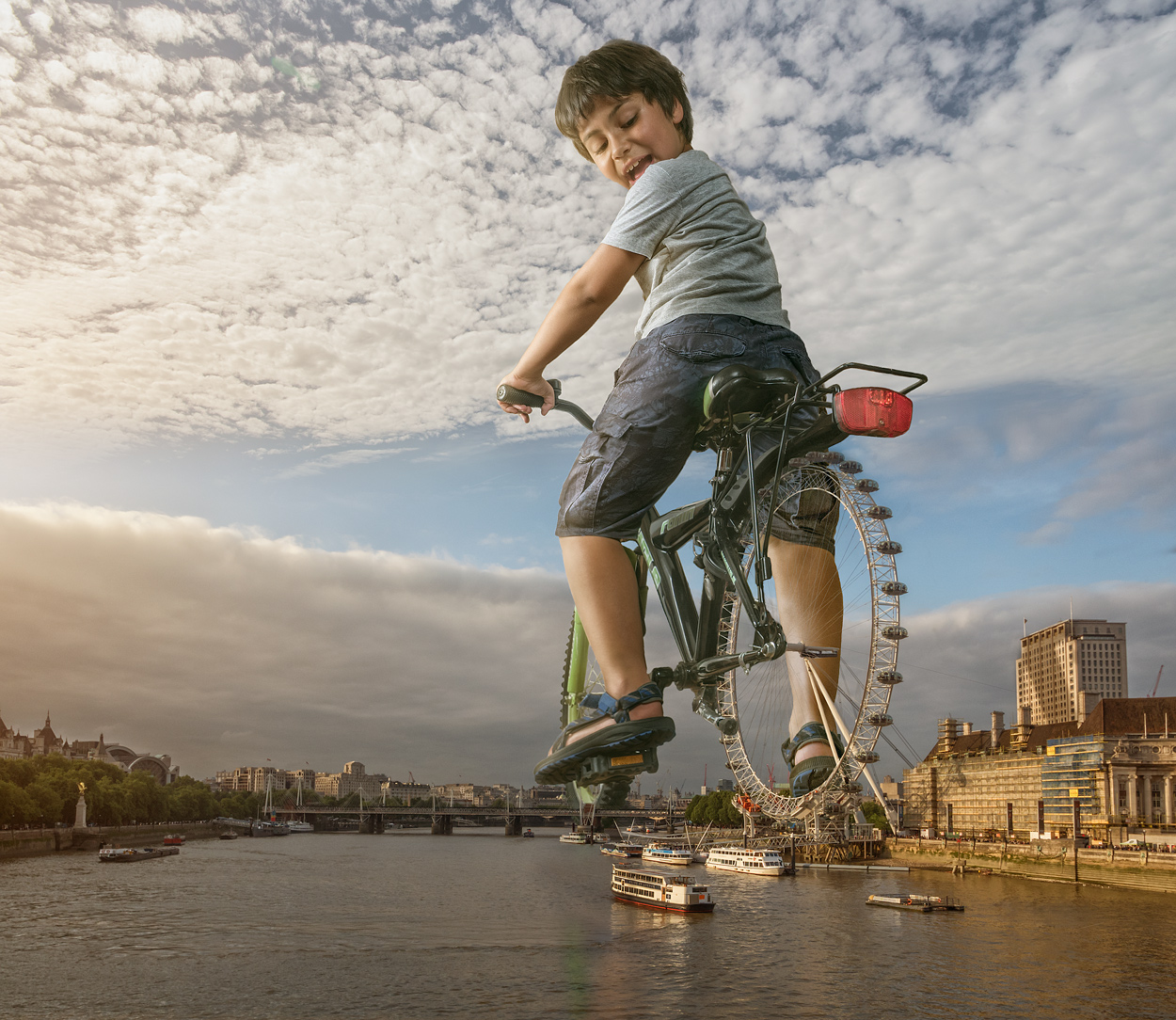 02-London-Eye-Adrian-Sommeling-Surreal-Photo-Manipulation-with-a-Son-s-Help-www-designstack-co