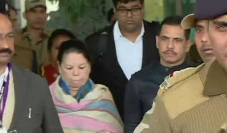 ed-starts-questioning-of-vadra-and-his-mother-maureen