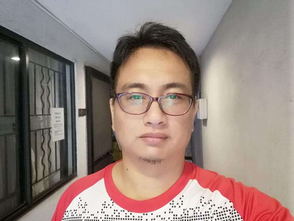 Huawei Y9 2019 Front Camera Sample - Low Light Selfie