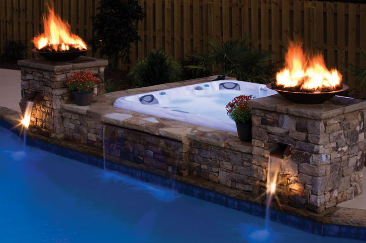 Giardini arredamento vasche idromassaggio per esterno for Vasca per giardino