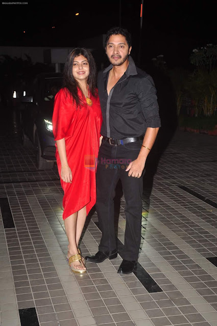 shreyas talpade wife, shreyas talpade family, shreyas talpade love story, shreyas and deepti talpade, shreyas and deepti talpade