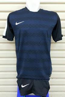 gabar desain jersey futsal terbaru musim depa jersey SETELAN FUTSAL NIKE SQUAD PERFORMANCE terbaru 2015/2016 Hitam di enkosa sport
