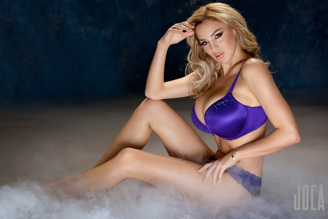 Jordan-Carver-WWL-Photo-Shoot-in-Hot-Blue-Bikini-HD-Picture-4
